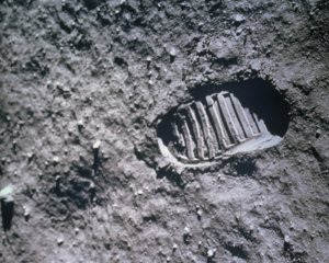 apollo-11-footprint