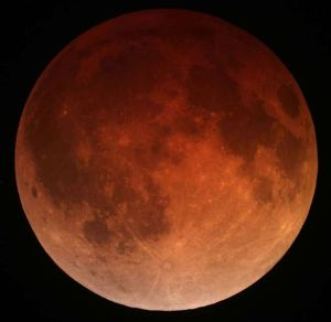 Figure 1: The Moon during a Total Eclipse on April 15, 2014 Credit: Tomruen, Wikimedia/Creative Commons