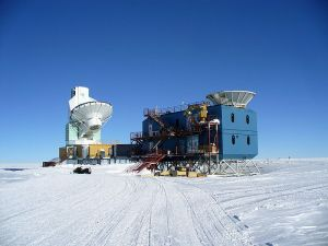 Figure 1: The South Pole Telescope (left) and the BICEP2 telescope (right Credit:
