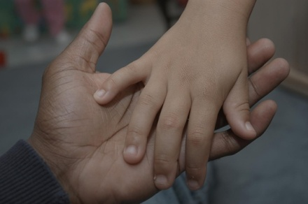 hands-of-father-and-son-4